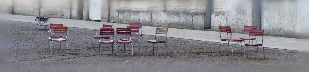Angebot: Wir beraten Einzelpersonen, Gruppen, Team und Organisationen - damit ihre Stühle nicht leer bleiben